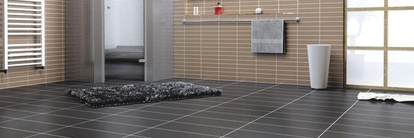 FLIESEN VERLEGEN IM BAD BADSANIERUNG IN HAMELN - Badezimmer fliesen legen